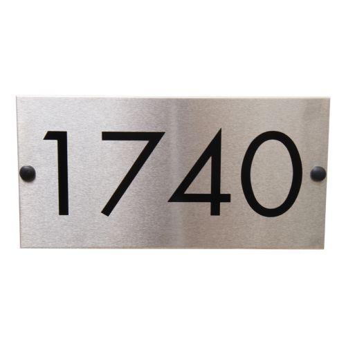 Boite aux lettres et plaque adresse IZIA