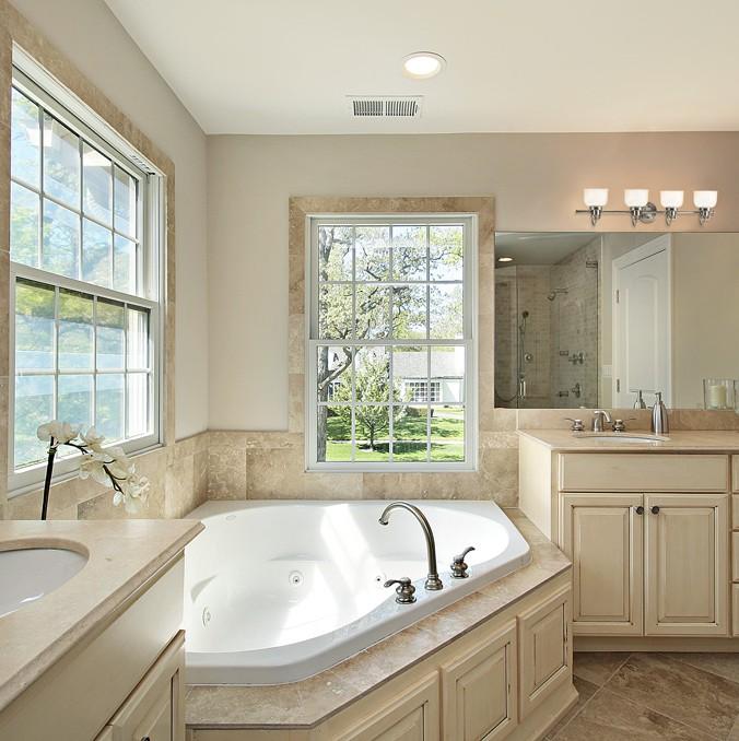 Salle de bain traditionnel plafonnier murale multi luminaire for Accessoire salle de bain laval