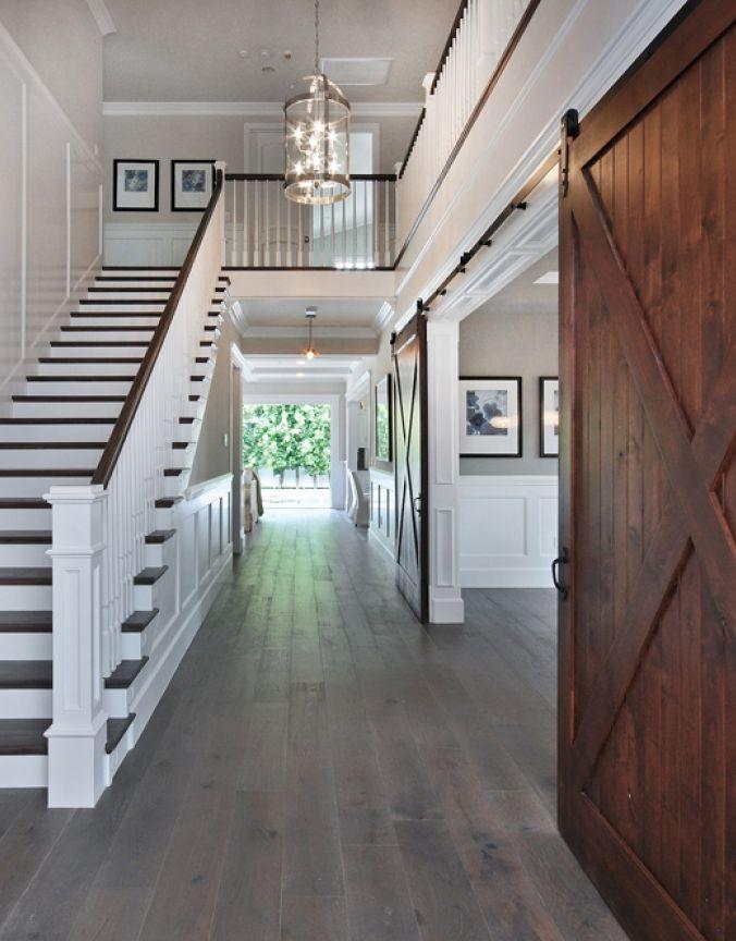 cage d 39 escalier lustre transitionnel luminaires multi luminaire. Black Bedroom Furniture Sets. Home Design Ideas