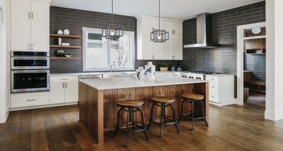 Désencombrer sa maison, à chaque pièce son rangement: la cuisine, le salon et la chambre.