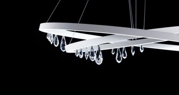 Un luminaire en cristal pour tous les styles!