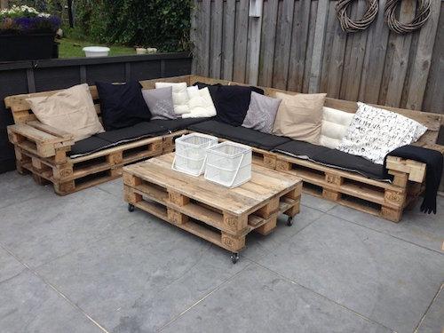 crer un canap et une table basse pour le jardin